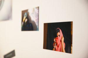 ArtAsyl_Ausstellung_Was_mache_ich_hier_Ausschnitte_004